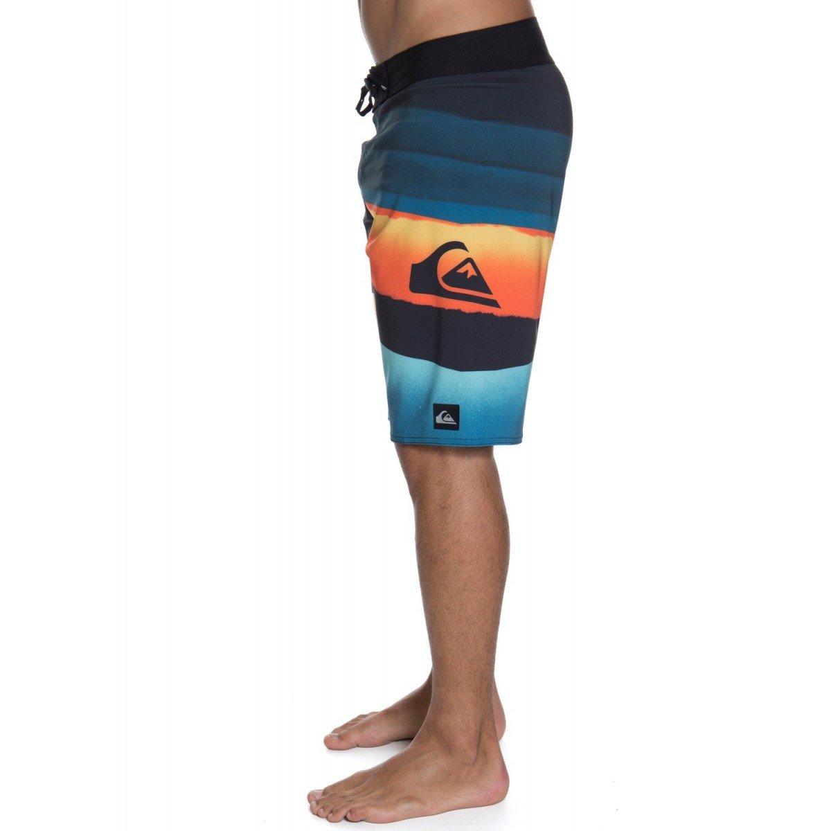 Bermuda Quiksilver Slash Logo II Multi Color - Compre Aqui  45fd71498db
